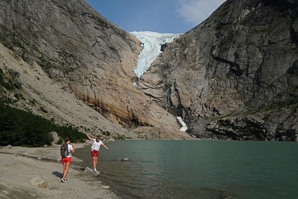 Glacier「Global Warming Is Accelerating The Melting Of Norway's Glaciers」:写真・画像(16)[壁紙.com]