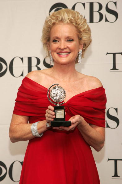 Grey Gardens「61st Annual Tony Awards At Radio City Music Hall - Press Room」:写真・画像(3)[壁紙.com]