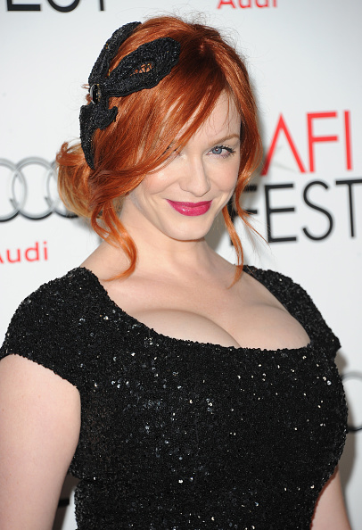"Cleavage「AFI FEST 2012 Presented By Audi - ""Ginger And Rosa"" Special Screening - Arrivals」:写真・画像(13)[壁紙.com]"