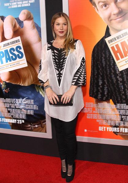 "Hall Pass - Film Title「Premiere Of Warner Bros. ""Hall Pass"" - Arrivals」:写真・画像(5)[壁紙.com]"