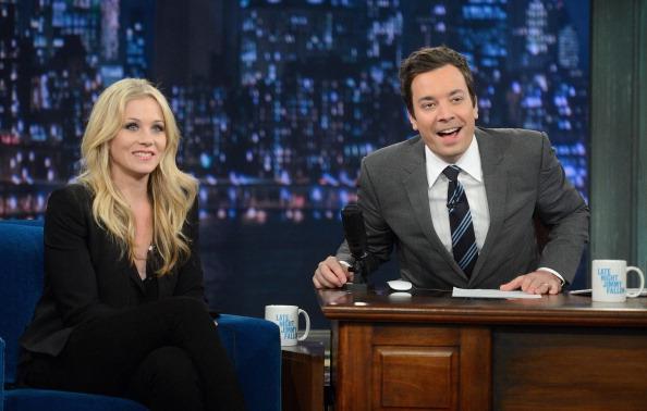"Visit「Christina Applegate Visits ""Late Night With Jimmy Fallon""」:写真・画像(7)[壁紙.com]"