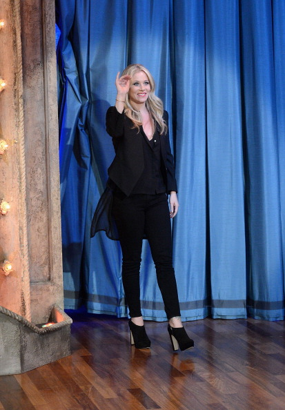 "Black Shoe「Christina Applegate Visits ""Late Night With Jimmy Fallon""」:写真・画像(5)[壁紙.com]"