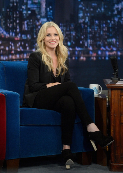 "Black Shoe「Christina Applegate Visits ""Late Night With Jimmy Fallon""」:写真・画像(3)[壁紙.com]"