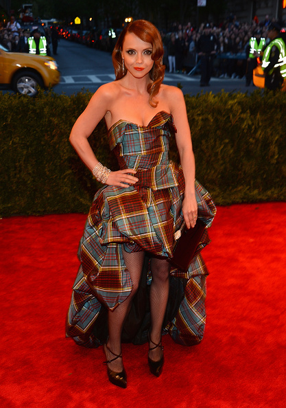 タータンチェック「'PUNK: Chaos To Couture' Costume Institute Gala」:写真・画像(14)[壁紙.com]