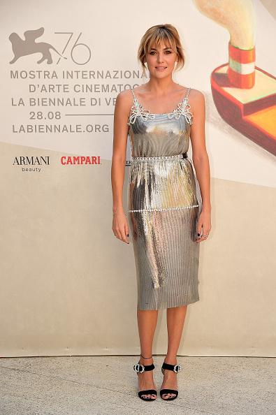 """メタリック「""""Madre"""" Red Carpet Arrivals - The 76th Venice Film Festival」:写真・画像(7)[壁紙.com]"""