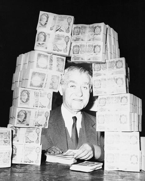 沢山の物「Bert's Billions」:写真・画像(3)[壁紙.com]