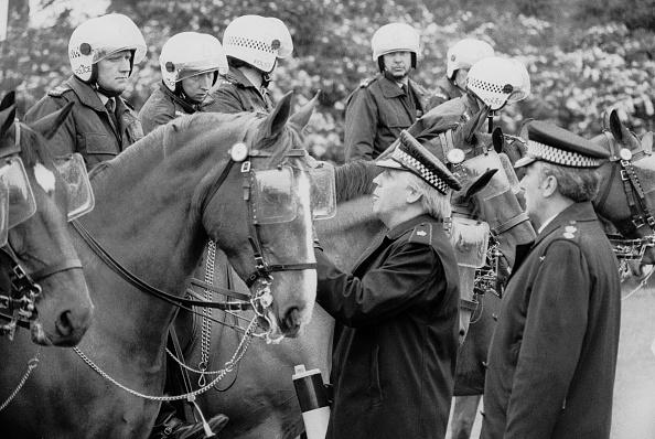 Steve Eason「Mounted Police」:写真・画像(19)[壁紙.com]