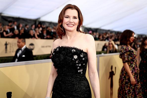 Geena Davis「24th Annual Screen Actors Guild Awards - Red Carpet」:写真・画像(1)[壁紙.com]