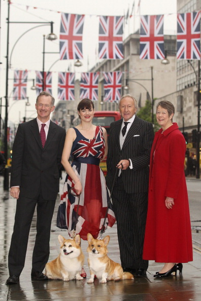 British Fashion Council「Oxford Street Launches Its Great British Fashion Flag Showcase Ahead Of The Diamond Jubilee」:写真・画像(1)[壁紙.com]