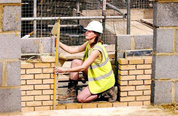 Employment And Labor「Female bricklayer」:写真・画像(7)[壁紙.com]
