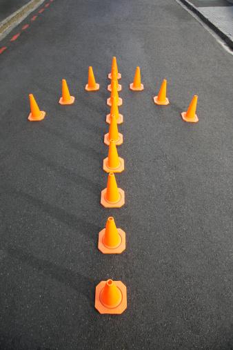 Road Construction「Traffic cones in arrow-shape」:スマホ壁紙(11)