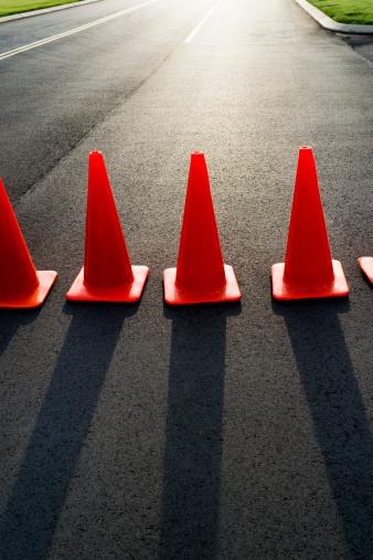 Road Construction「Traffic cones on road」:スマホ壁紙(4)