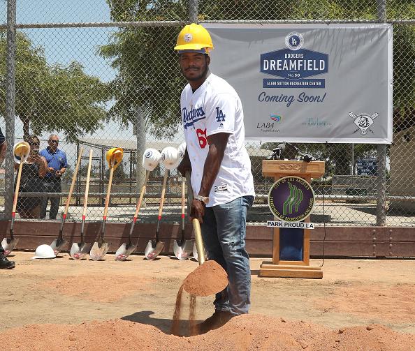 Jerritt Clark「Yasiel Puig And Los Angeles Dodgers Foundation Host Historic Dodgers Dreamfield Groundbreaking」:写真・画像(13)[壁紙.com]