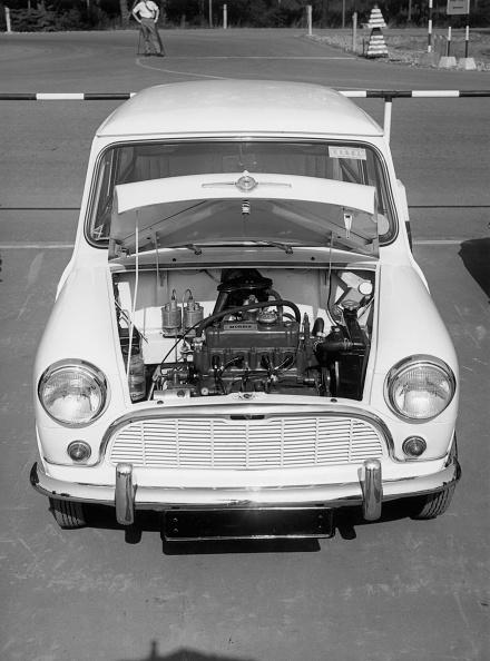 Chertsey「Mini Engine」:写真・画像(2)[壁紙.com]