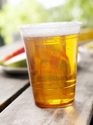 Picnic「Glass of Beer at a Picnic」:スマホ壁紙(4)