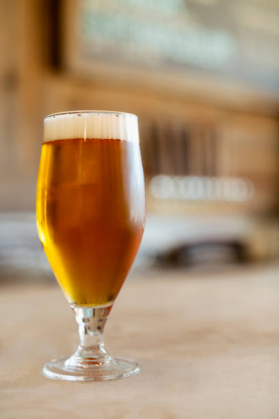 Glass of beer:スマホ壁紙(壁紙.com)
