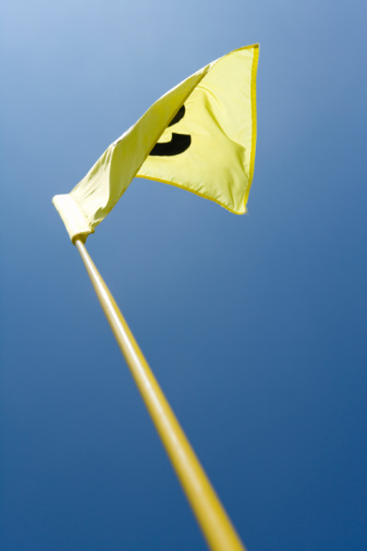Northern Mariana Islands「Flattering Yellow Flag in Blue Sky」:スマホ壁紙(9)