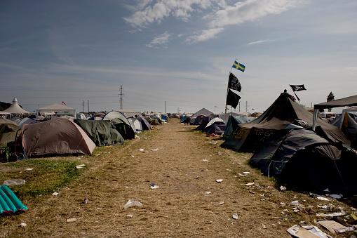 Music Festival「Denmark, Roskilde Festival, campsite」:スマホ壁紙(12)