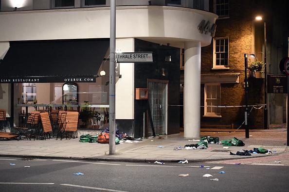 英国 ロンドン「Police Respond To Terror Attacks At London Bridge And Borough Market」:写真・画像(6)[壁紙.com]