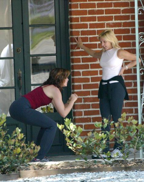 Crouching「Cindy Crawford Workout」:写真・画像(0)[壁紙.com]