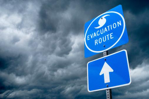 Thunderstorm「Hurricane Evacuation Route Road Sign」:スマホ壁紙(13)