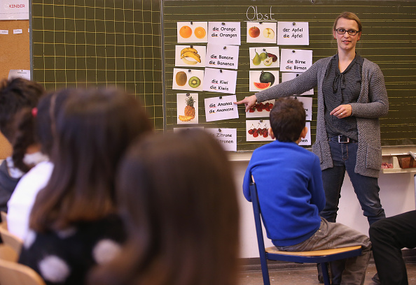 Germany「Germany Expands Language Classes For Migrant Children」:写真・画像(2)[壁紙.com]