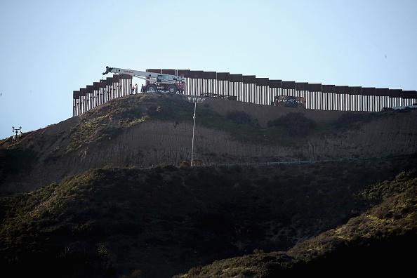 サンディエゴ「Border Wall Funding The Focus Of Continued Partial Government Shutdown」:写真・画像(6)[壁紙.com]