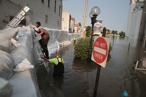 Temporary「Midwest Rivers Reach Major Flood Stage At Historic Levels」:写真・画像(2)[壁紙.com]
