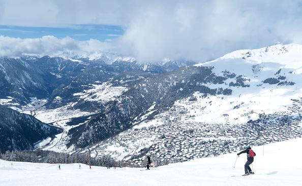 Switzerland「Swiss Ski Resorts To Close Over Coronavirus Fears」:写真・画像(1)[壁紙.com]