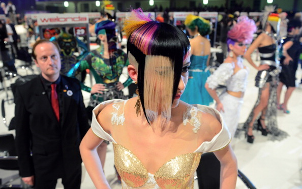 Waiting「Hair & Beauty Fair」:写真・画像(8)[壁紙.com]