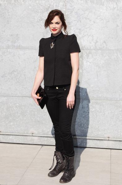 Lace-up「Emporio Armani - Front Row: Milan Fashion Week Womenswear Autumn/Winter 2011」:写真・画像(3)[壁紙.com]