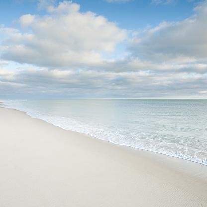 ビーチ「USA, Massachusetts, Nantucket Island, Clouds above Surfside Beach」:スマホ壁紙(4)