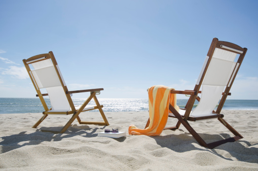 夏休み「USA, Massachusetts, Nantucket Island, Sun chairs on sandy beach」:スマホ壁紙(14)