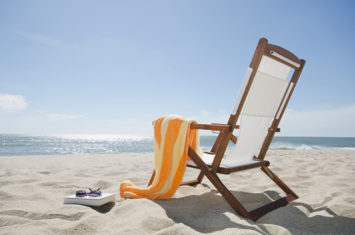 Outdoor Chair「USA, Massachusetts, Nantucket Island, Sun chair on sandy beach」:スマホ壁紙(5)