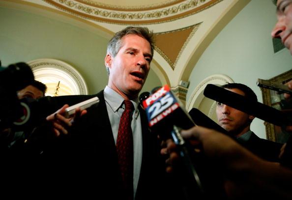 Politician「Massachusetts Senator-Elect Scott Brown Comes To Capitol Hill」:写真・画像(0)[壁紙.com]