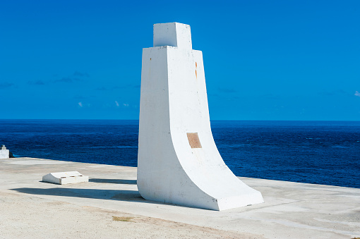 Northern Mariana Islands「World War II memorial at the Banzai Cliff, Saipan, Northern Marianas」:スマホ壁紙(3)