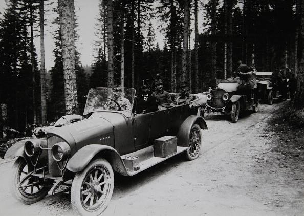 皇帝「World War I. Emperor Karl I. At South Tyrolian Front With Field Marshal Conrad Von Hoetzendorf. Photograph. 1917.」:写真・画像(17)[壁紙.com]