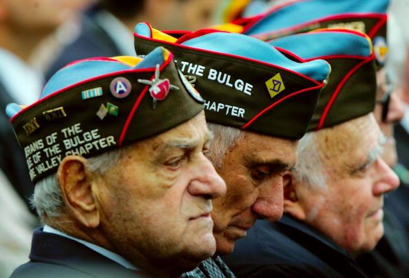 Win McNamee「Battle Of The Bulge Memorial Dedicated」:写真・画像(2)[壁紙.com]