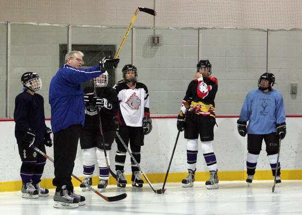 Practicing「Canadian Hockey Pro Shares His Expertise In The U.S.」:写真・画像(15)[壁紙.com]