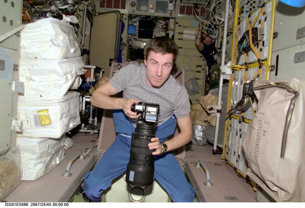 International Space Station「Onboard The Zvezda Service Module」:写真・画像(16)[壁紙.com]