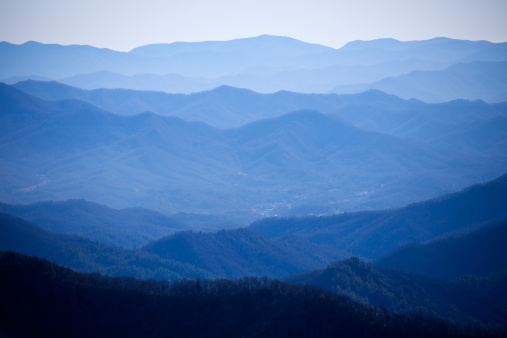 Tennessee「USA, Tennessee, Nashville, Great Smoky Mountains National Park, Mountain range in fog」:スマホ壁紙(19)