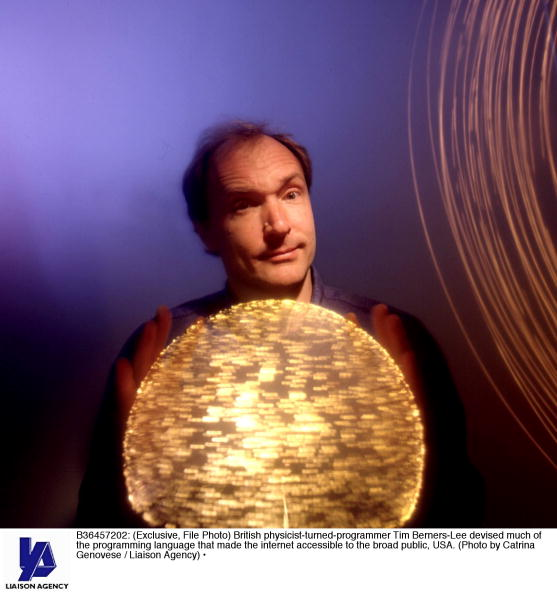 Internet「British Physicist Turned Programmer Tim Berners Lee Devised Much」:写真・画像(19)[壁紙.com]