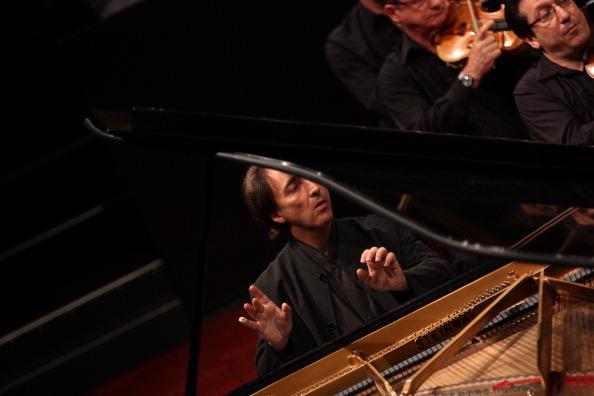 Hiroyuki Ito「Mostly Mozart」:写真・画像(8)[壁紙.com]