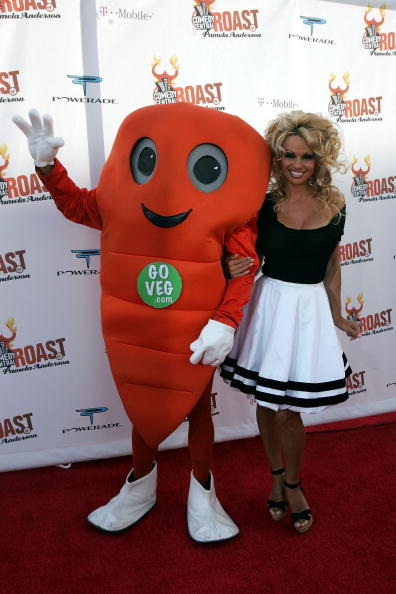 Carrot「Comedy Central Roast Of Pamela Anderson - Arrivals」:写真・画像(6)[壁紙.com]