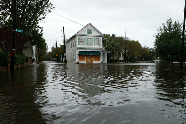 Charleston - South Carolina「Hurricane Matthew Bears Down On Atlantic Coast」:写真・画像(2)[壁紙.com]