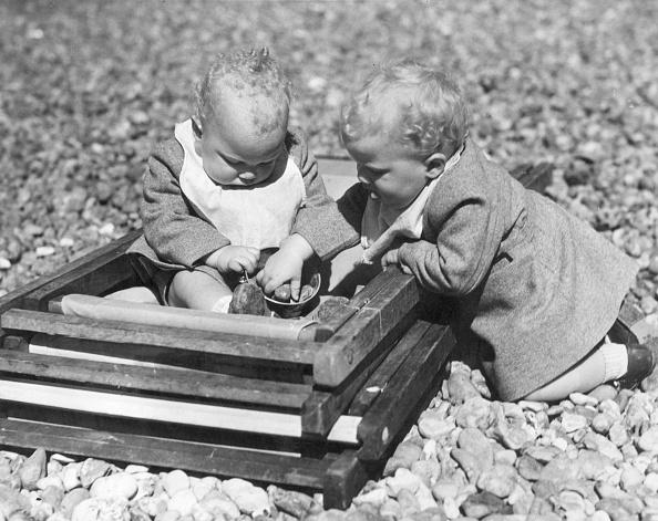 Fred Morley「Beach Twins」:写真・画像(15)[壁紙.com]