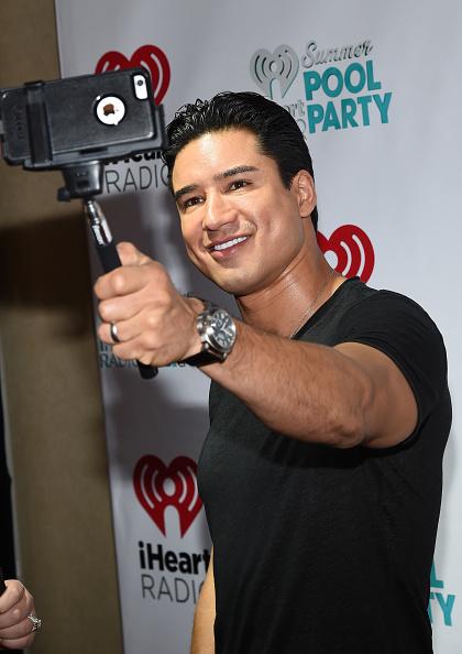 Mario Lopez「The iHeartRadio Summer Pool Party - Backstage」:写真・画像(10)[壁紙.com]