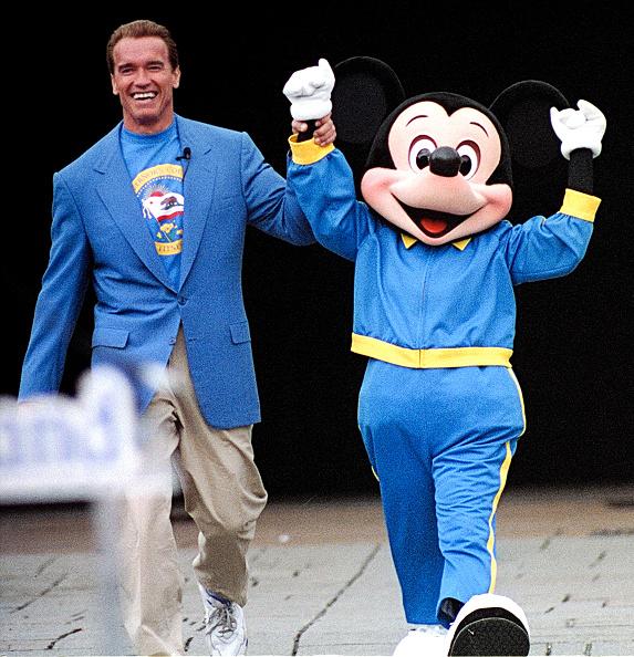 Mickey Mouse「Arnold Schwarzenegger」:写真・画像(10)[壁紙.com]