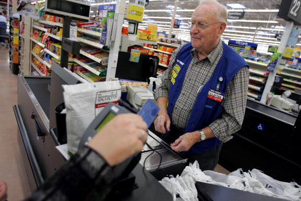 Working「Wal Mart Focuses On Growth As It Opens Six Supercenters In Ohio」:写真・画像(10)[壁紙.com]