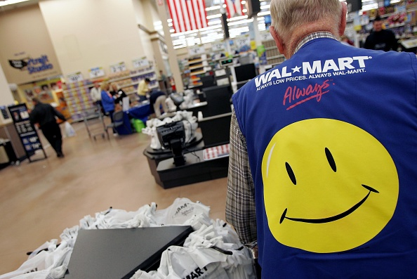 Wal-mart「Wal Mart Focuses On Growth As It Opens Six Supercenters In Ohio」:写真・画像(14)[壁紙.com]
